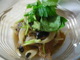 マグロの韓国ゴマ風味漬けサラダ
