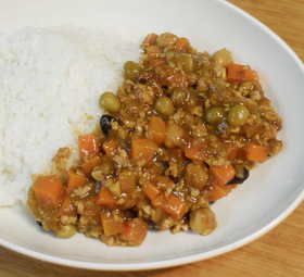 挽肉とニンジンの豆カレー☆