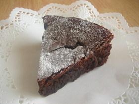 まぜて焼くだけチョコレートケーキ(ガトーショコラ)