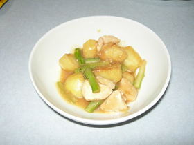 揚げじゃがいもと鶏モモの味噌煮