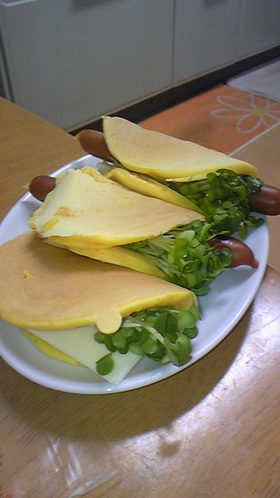 簡単朝ご飯☆ニンジンホットケーキサンド☆