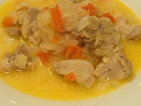 鶏肉のビネガー煮込み