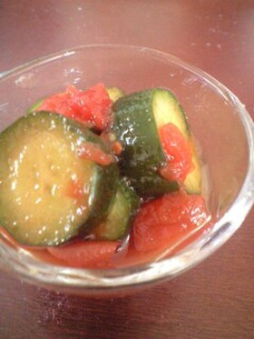 トマトと胡瓜の爽やかピクルス