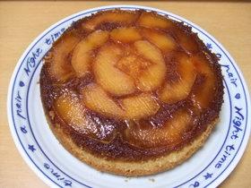 キャラメルとりんごのケーキ