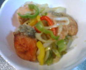 塩鮭とシャキシャキお野菜の彩りマリネ♪