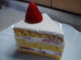 ♪しっとり3段、苺のショートケーキ♪