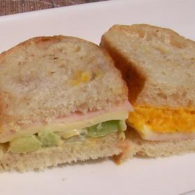 そら豆&かぼちゃのペーストでサンドイッチ