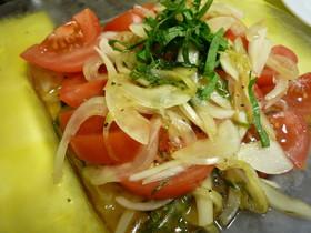 トマトと新玉ねぎのマリネサラダ