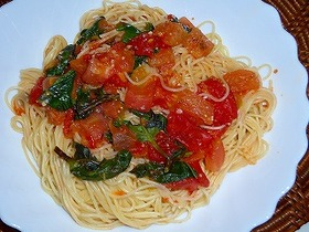 シンプル・簡単!トマトとバジルのパスタ