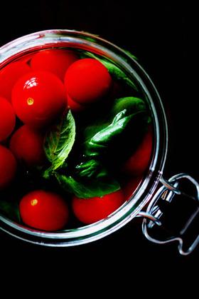 トマトとバジルのピクルス