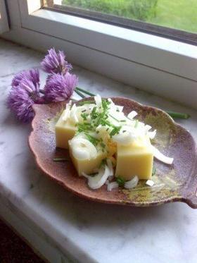 和のチーズ(冷奴に似せた和風チーズです)