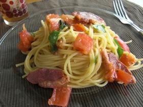 +トマトとハムとバジルの冷製パスタ+