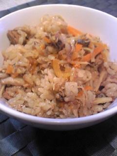 さばの味噌煮缶で簡単炊き込みご飯!!