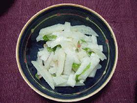 ジャガイモと大根の梅味サラダ