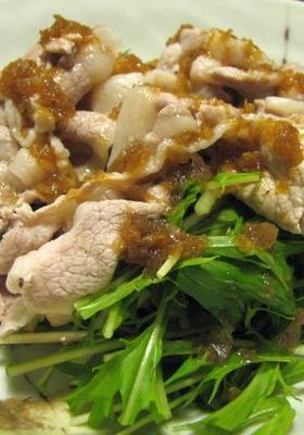 茹豚を水菜にのせてジャポネソースをかけて