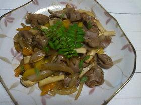 新玉葱と砂肝の炒め物