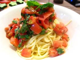 トマト・バジルの冷製パスタ