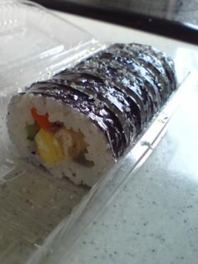 市販の巻き寿司をなんとなく韓国風味に