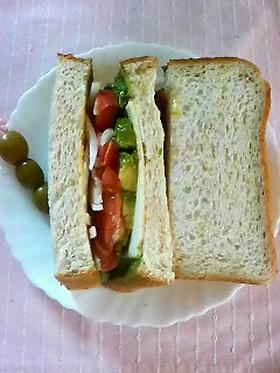 ☆アボカドとチーズのサンドイッチ☆