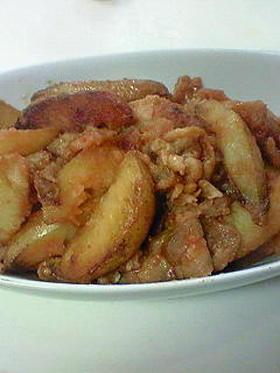 豚バラ肉とポテトの甘辛ケチャップ炒め