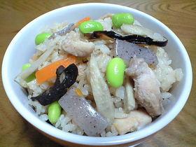 簡単美味しい☆優しい味な鶏五目ご飯☆