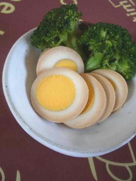 ゆで卵のめんつゆ漬け