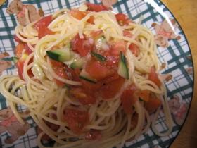 がっつり!俺流☆完熟トマトの冷製パスタ。