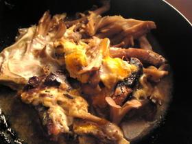 秋刀魚と舞茸の卵とじ