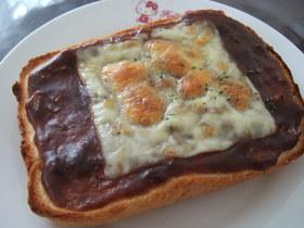 チーズハヤシトースト