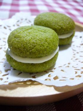 米粉で抹茶クッキー☆ホワイトチョコサンド