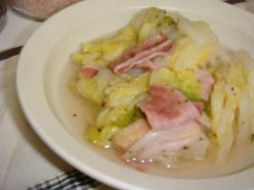 白菜とベーコンの煮物