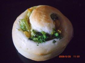ブロッコーンマヨまきまきパン