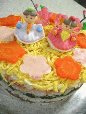 ひな祭りのケーキ風押し寿司