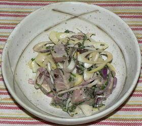 鰹のたたきと香味野菜のピリ辛マヨポン酢味