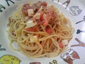 トマトとモッツァレラの冷製パスタ♪