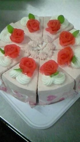 【苺のない時期 代わりにケーキの飾りを】