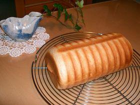 黒豆甘納豆でふんわりラウンドパン♪
