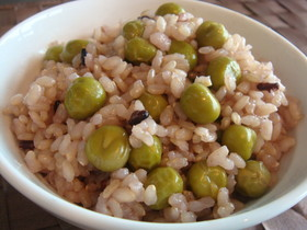 グリンピースご飯(玄米版)