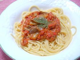 ナスとツナのトマトソースパスタ