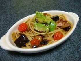 アボカド入り茄子とトマトのスパゲッティ