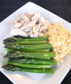 簡単☆アスパラと鶏胸肉のたまごマヨサラダ