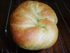 ほんのりとお茶の香りがするパン
