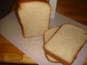 コンデンスミルク入りほんのり甘い食パン