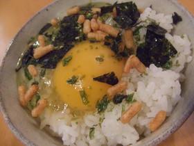 お茶漬けの素で♬卵かけご飯
