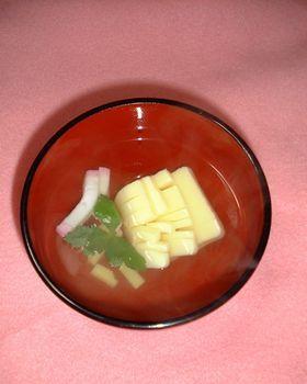 すごくおいしい!たまご豆腐と蒲鉾のお吸い物