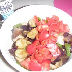 夏野菜のピリカラサラダ♪