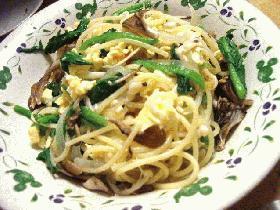 ふんわりいり卵とほうれん草と舞茸のスパゲッティ