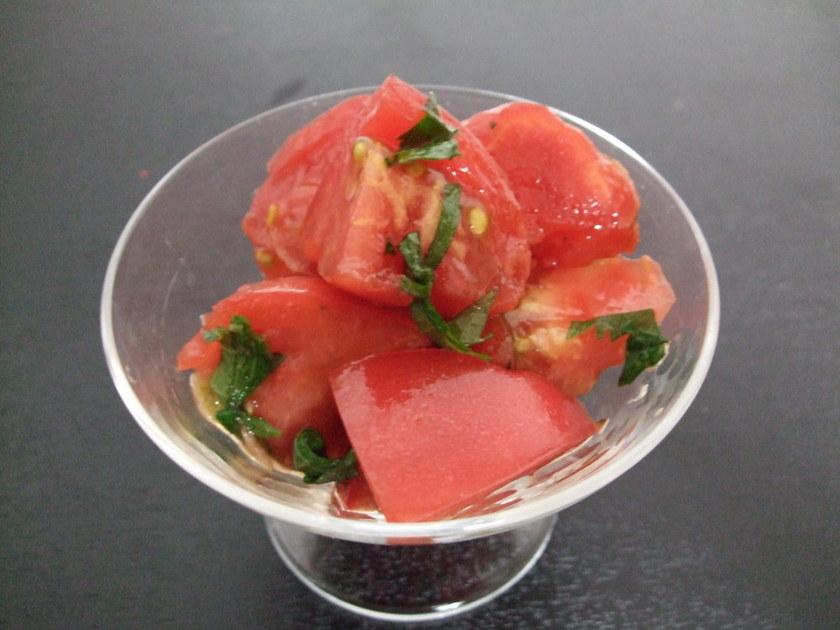 夏にぴったり☆トマトと大葉の冷製サラダ