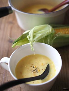 生とうもろこしで、自家製コーンスープ。