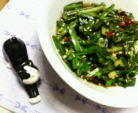 簡単✿ニラだけの❀ゴマ醤油炒め✿